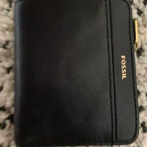Fossil Leather wallet ( new )